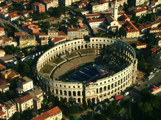 ../images/Arena-in-Pula.jpg