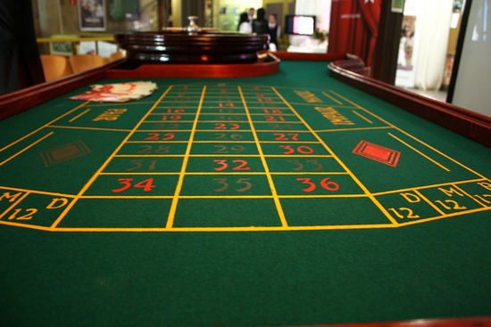 ../images/Casino-gaming-table.jpg