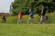 ../images/Cycling-on-holidays-180.jpg