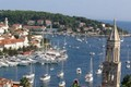 ../images/Hvar-harbour-120.jpg