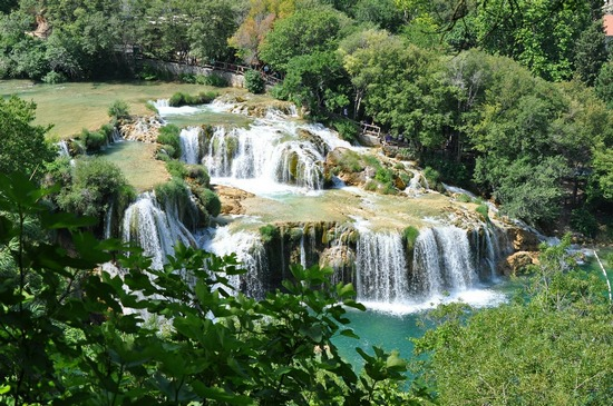../images/Krka-Park-waterfalls.jpg