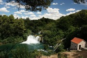 ../images/Krka-river-waterfall-180.jpg