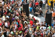 ../images/Music-festival-crowd-180.jpg