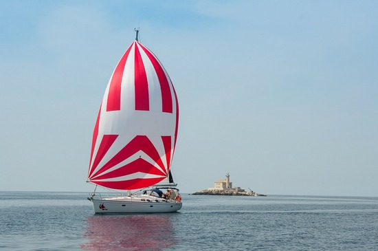 ../images/Sailing-boat-Croatia.jpg