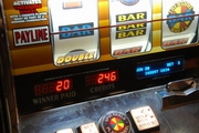 ../images/Slot-machine-180.jpg