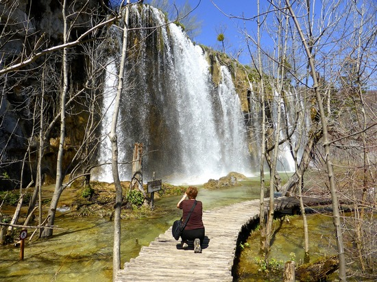 ../images/Taking-photo-at-Plitvice.jpg