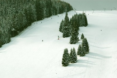../../images/Winter-ski-slope-400.jpg