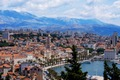../../images/City-of-Split-red-tile-roofs-120.jpg